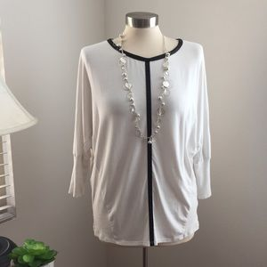Two by Vince Camuto Top Dolamn Sleeve Size Medium